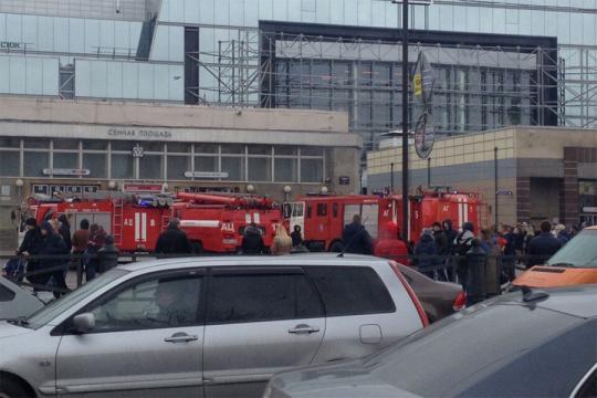 «Рассмотрим все варианты»: Путин поведал о изучении взрыва впитерском метро