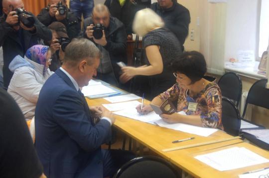 Руководитель Кировской области Игорь Васильев принял участие ввыборах