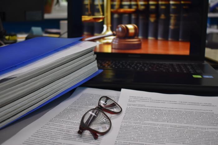 Протопоповский мрамор и миллион книг: что известно о Госдуме РФ?